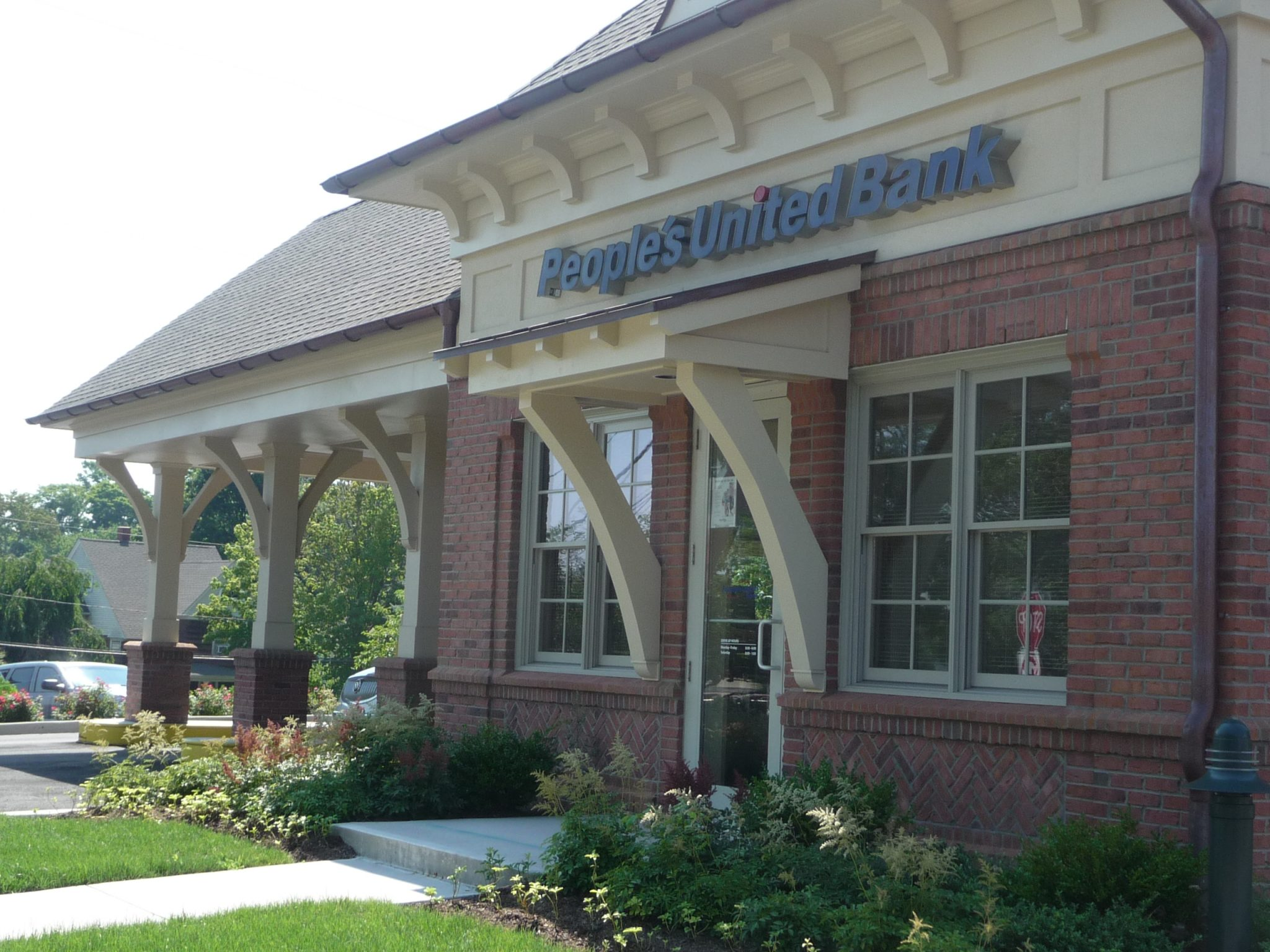 peoples united bank ct locations